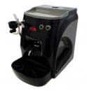 Kávovar se dodává, stejně jako model Vapor v několika barevných provedeních.